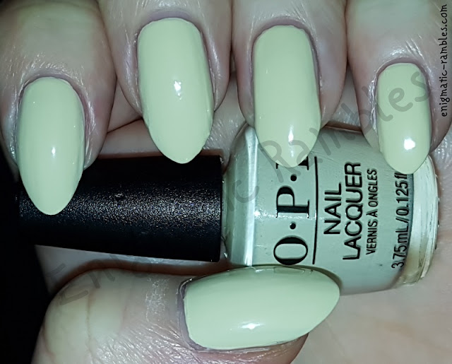 Swatch-OPI-One-Chic-Chick