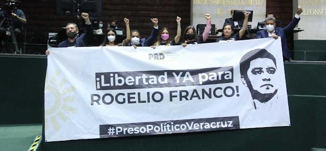Demanda GPPRD juicio político contra Cuitláhuac García, gobernador de Veracruz, por violaciones a la constitución