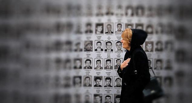 Према евиденцији међународног комитета Црвеног крста, 1.630 лица са територије Kосова и Метохије се још увек води као нестало и њихова судбина није позната.  #Nestali #Kidnapovani #Kosovo #Metohija #KMnovine #vesti