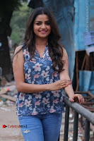 Nithya Ram Pos in Skinny Jeans at SUN TV Nandini Serial Press Meet .COM 0009.jpg