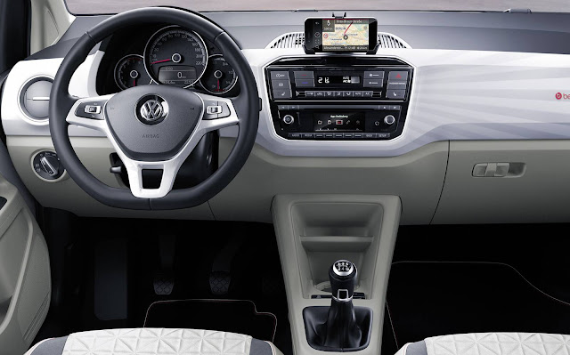 Volkswagen up! 2017 - interior