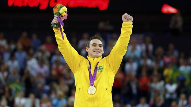 Arthur Zanetti recebe sua medalha de ouro na Olimpíada de Londres 2012