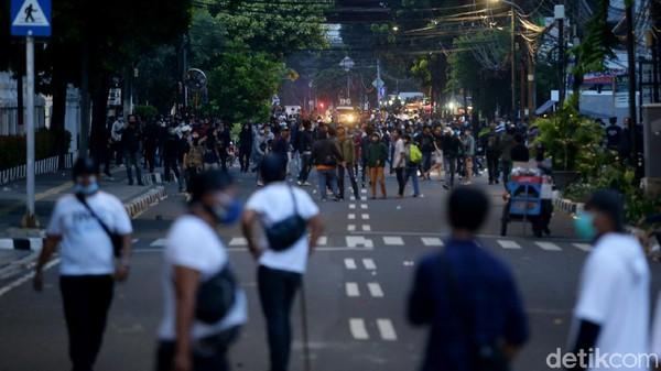 Kisah Miris Anak SD Diajak Bikin Rusuh di Demo Omnibus Law