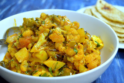 Aloo Gobhi ~ Potato & Cauliflower Curry