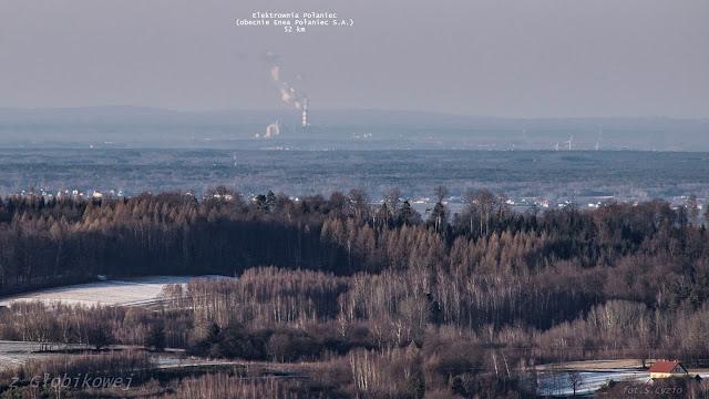 Elektrownia Połaniec z wieży widokowej w Głobikowej 52 km