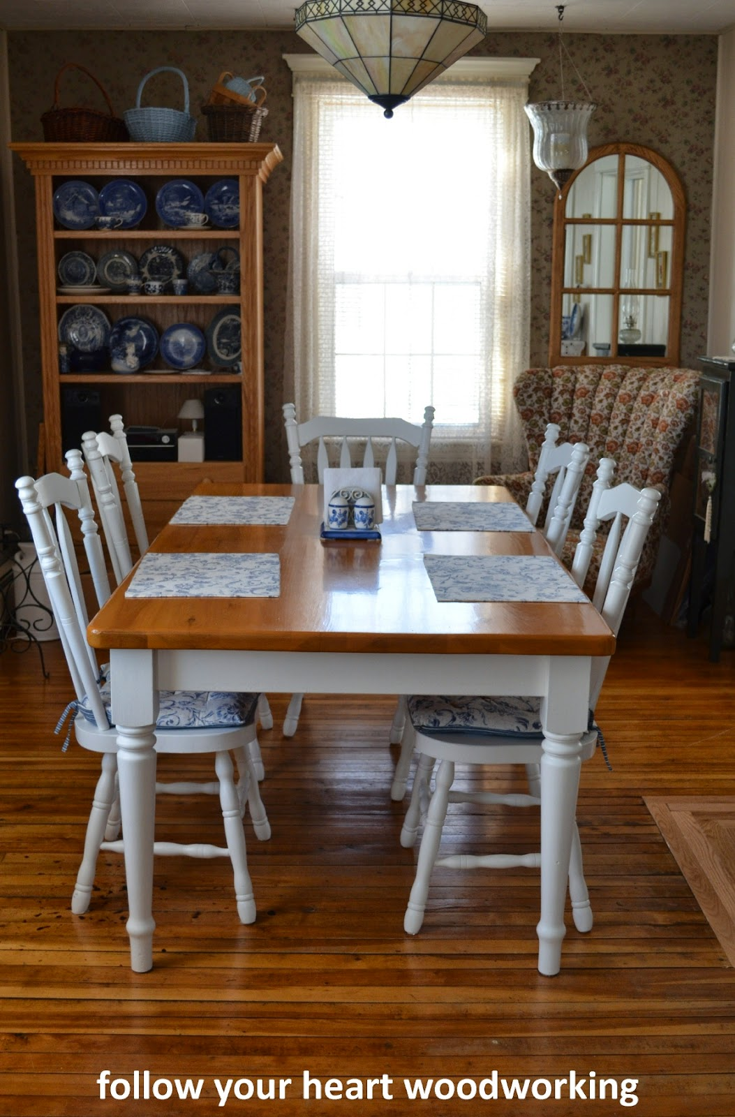 follow your heart woodworking painting a farmhouse table and chairs. Black Bedroom Furniture Sets. Home Design Ideas