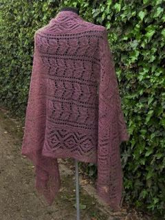 oud roze shawls, oudroze wol, gebreidesjaals.