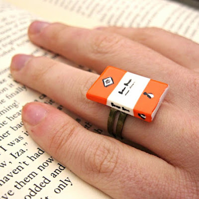 ring 5 - 10 Anéis para apaixonadas por livros