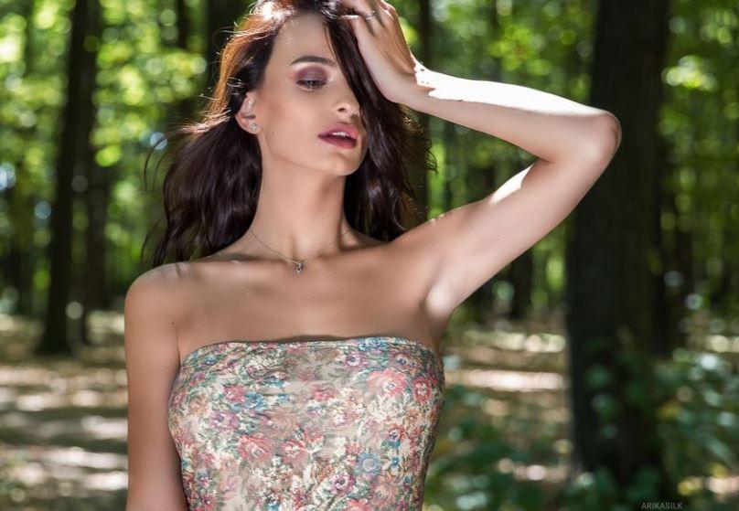 ArikaSilk Model GlamourCams