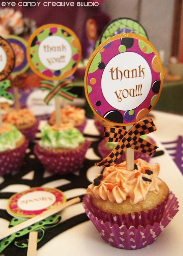 halloween mini cupcakes, halloween party dessert ideas, cupcakes
