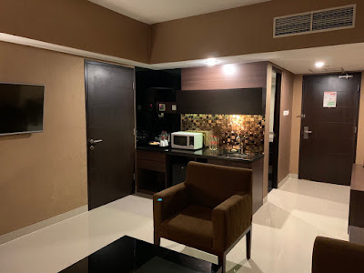 Microwave oven and sink