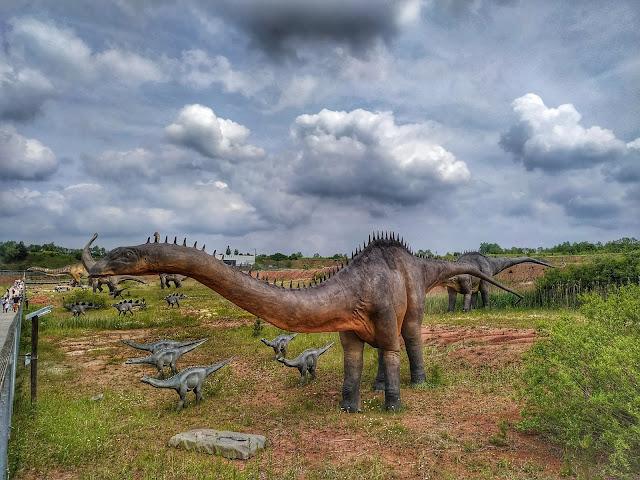 figura diplodoka Park Krasiejów Jura Park, dinozaury