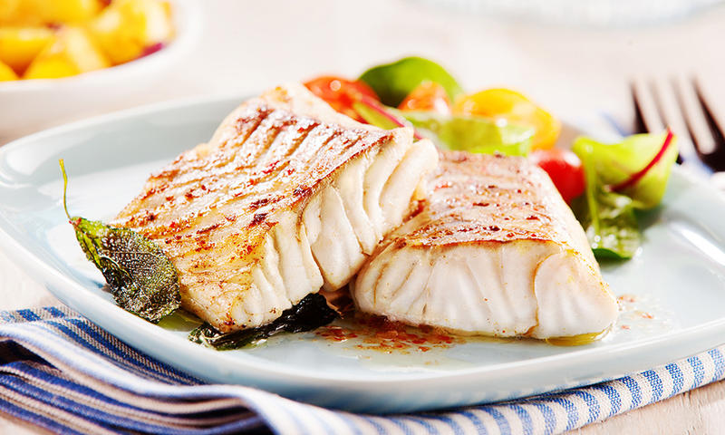fish healthy food with fat