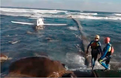 Dos personas caen con avioneta al mar en Gran Canaria y salen ilesos nadando a la costa de San Felipe, Moya