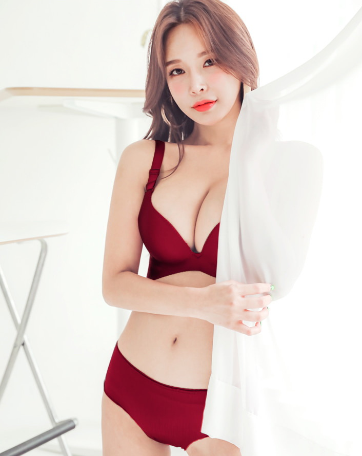 Korean Hot fashion model - Lee A Yoon - Wine Beige Black Lingerie set