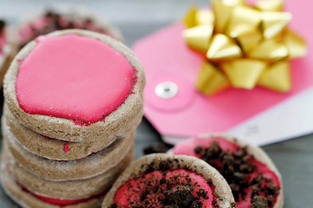 http://dalmatiandiy.blogspot.co.nz/2016/02/recipe-hot-pink-gazed-carob-valentine.html