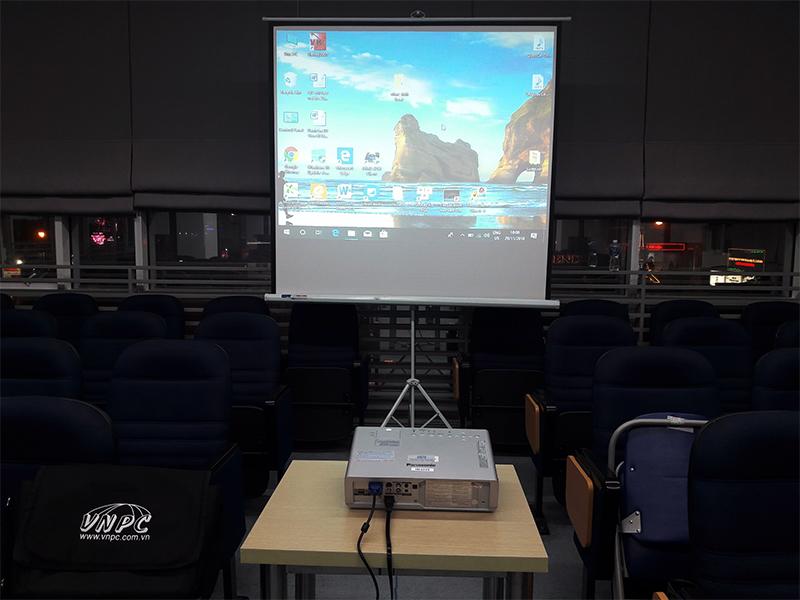 Cho thuê máy chiếu tổ chức hội thảo khoa học quốc tế