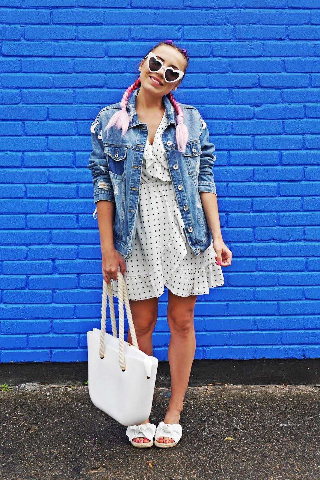 1_sukienka_w_kropki_jeansowa_kurtka_klapki_biale_renee_torebka_obag_karyn_blog_modowy_060818