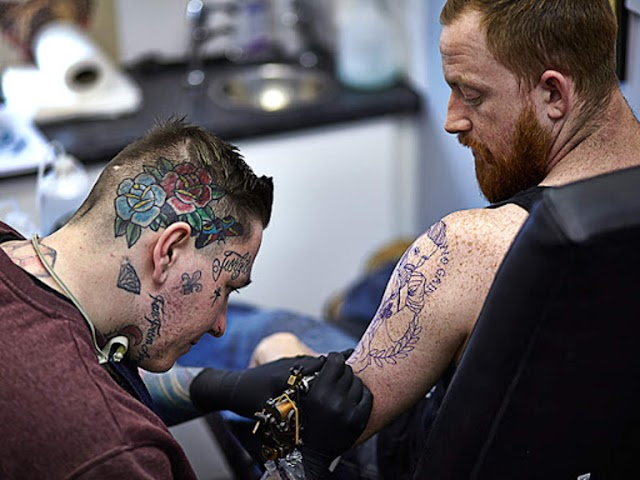 A Beginner's Guide to Reducing Neck Tattoo Pain