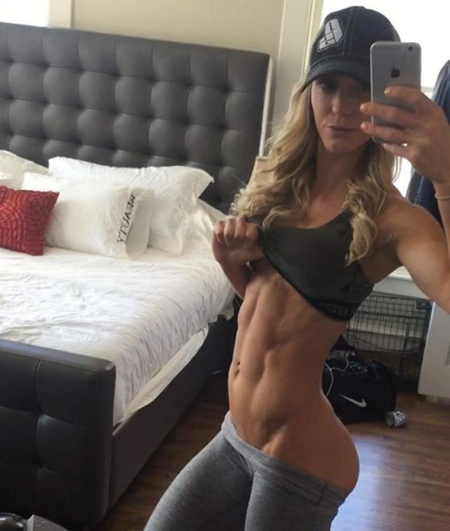 Fitness Model Rachel Scheer Instagram
