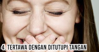 Kepribadian dari orang dengan Tertawa dengan Ditutupi Tangan