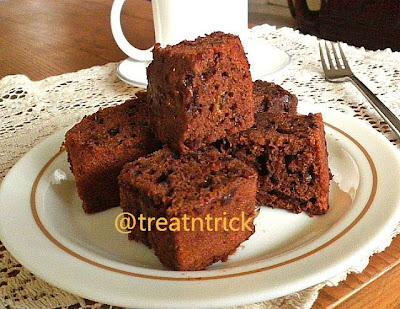Banana Brownies Eggless Recipe @ treatntrick.blogspot.com