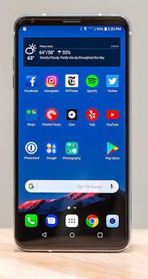 Spesifikasi LG V30    Secara keseluruhan smartphone ini memiliki ukuran dimensi panjang 151.7 mm lebar 75.4 mm, dan tinggi 7.4 mm. Desainnya sangat tipis, sehingga membuat beratnya lebih ringan. Walaupun layarnya mencapai 6 inci, namun bobotnya cuma 158 gram. Selain itu, LG V30 memiliki baterai berkapasitas 3.300 mAh dan dilengkapi teknologi Quick Charge 3.0 yang bisa mengisi baterai 50% dalam waktu 36 menit. Baterainya juga awet dan mendukung fitur Wireless Charging yang familiar kita jumpai pada smartphone flagship Samsung.      Desain LG V30 memang premium. Smartphone ini dibalut frame metal dan casing belakang berlapis kaca yang membuatnya memiliki fitur Wireless Charging. Tampak depannya tak berbeda jauh dengan LG G6, hanya saja ukuran layarnya lebih besar. Dimana pada bagian depan telah terpasang layar 6 inci dengan resolusi 1440 x 2880 pixels. Layar tersebut memiliki kerapatan sebesar 537 ppi dan dibentangkan sangat luas dengan aspek rasio 18:9. Alhasil bezel layar LG V30 sangat tipis, dan hanya menyisakan sedikit ruang pada bagian atas serta bawahnya.  LG tidak lagi memakai teknologi dual layar. Sebagai gantinya, LG membekali V30 dengan fitur Floating Bar dan Always On Display. Layarnya juga dilindungi kaca Corning Gorilla Glass 5 dan dibekali teknologi Dolby Vision/HDR10 compliant yang membuat tampilan layar semakin realistis dan bisa menampilkan berbagia