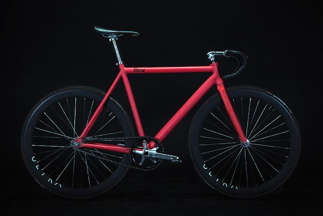8barの赤いピストバイク