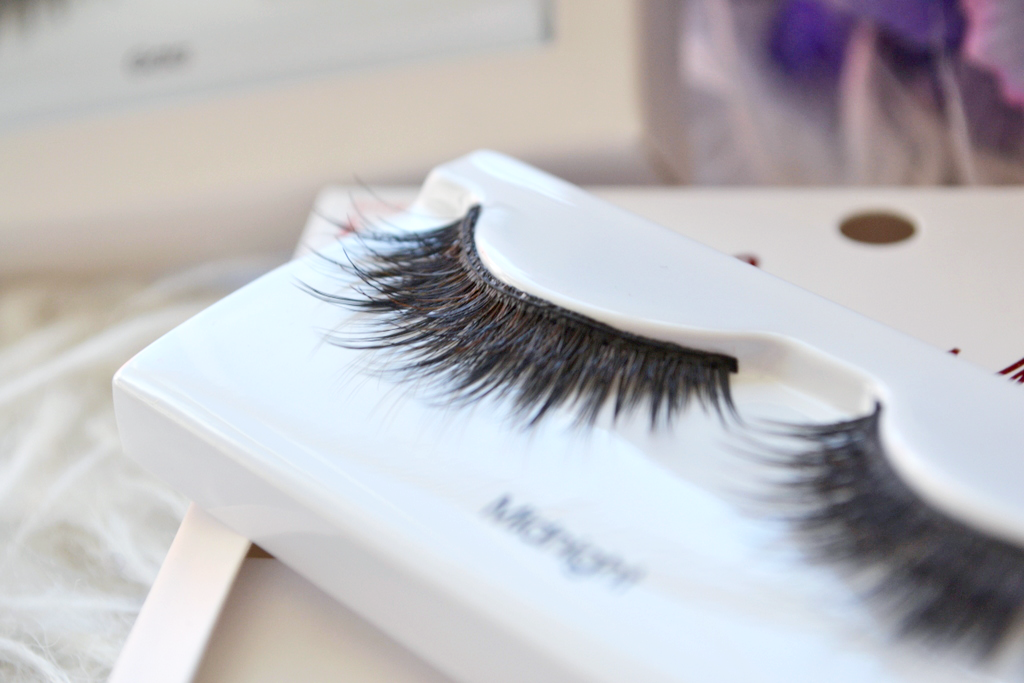 89fbec46699 Another thing I like about this collection is how it continues to follow  the line of the Blooming Lash range with the multi-angle technology.