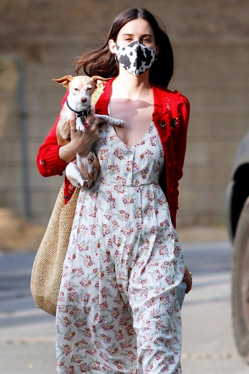 Scout Willis Clicked  with Her Dog in Los Angeles 12 Apr-2021