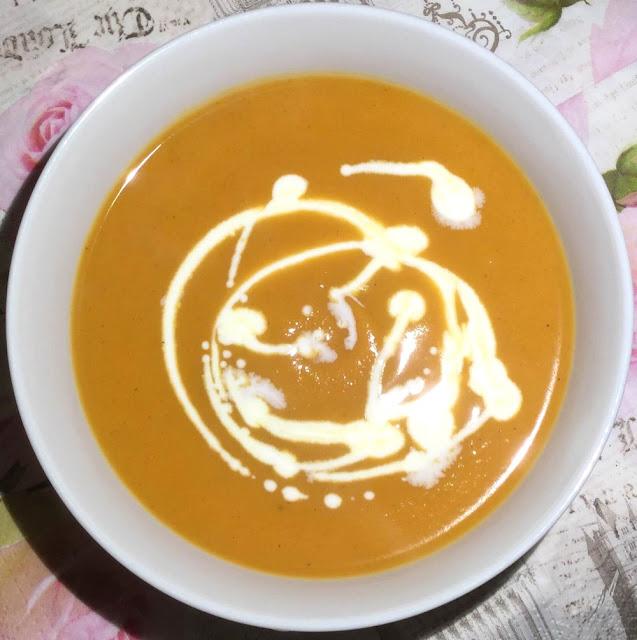 zupa ze słodkich ziemniaków