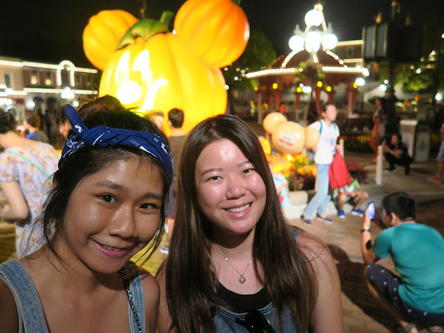 Hong Kong Disneyland ; last welfie before leaving the park