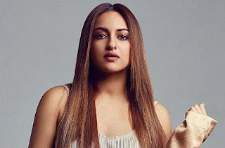 sonakshi-workout-in-home
