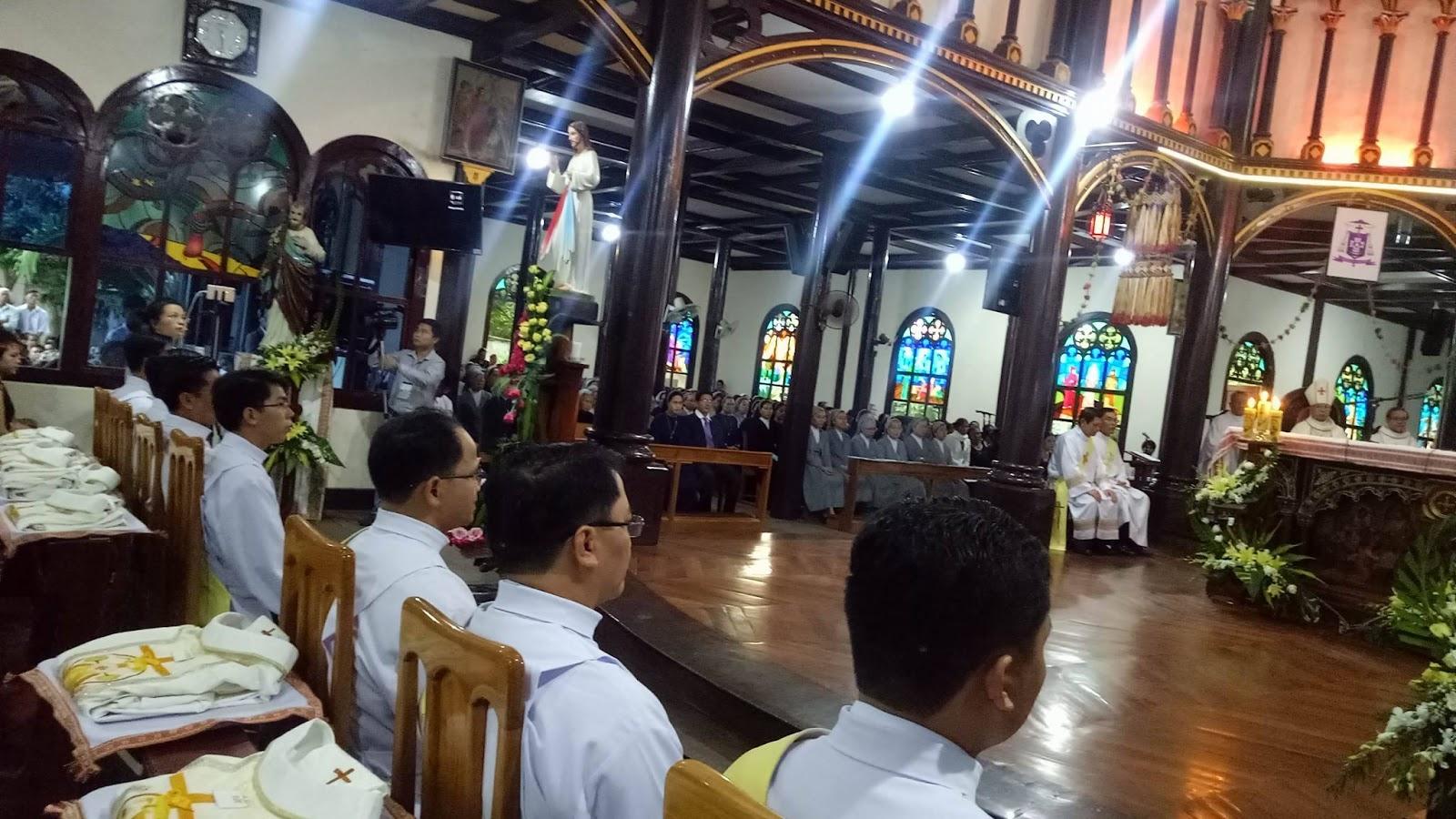 Thánh Lễ Truyền Chức Linh Mục Giáo Phận Kontum 2017 - Ảnh minh hoạ 16