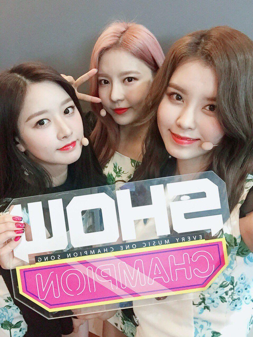 170315 gugudan - MBC Music 'Show Champion' E220 - 41p