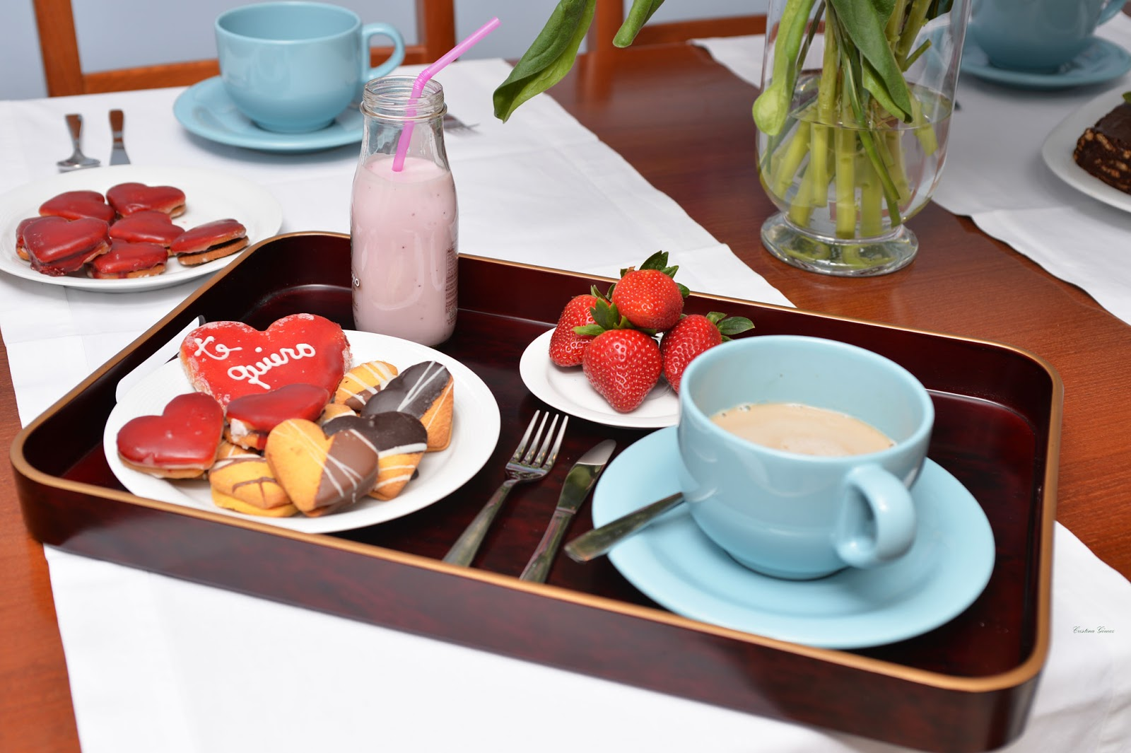 valentines day breakfast chocolate cake smoothies