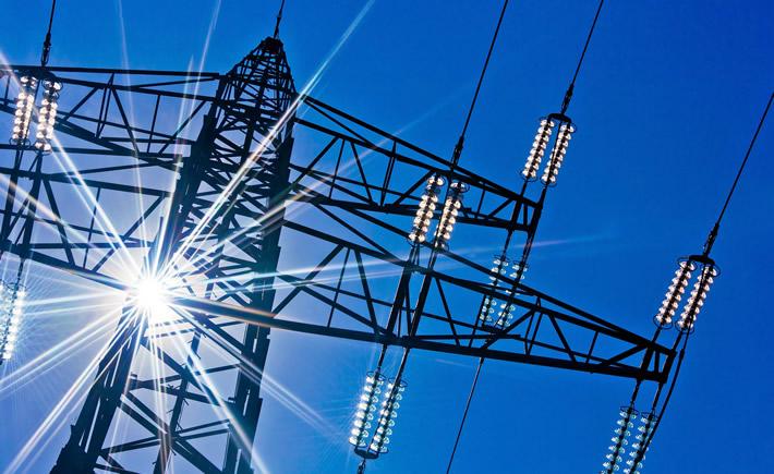El tamaño promedio de las operaciones en el sector energético se incrementó desde 2015, con las 10 principales negociaciones de energía valuadas en más de 12,000 mdd. (Foto: Depositphotos)