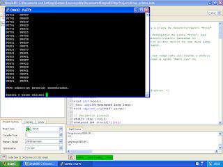 Programa a correr no PuTTY. O SimpleIDE é visível em segundo plano.