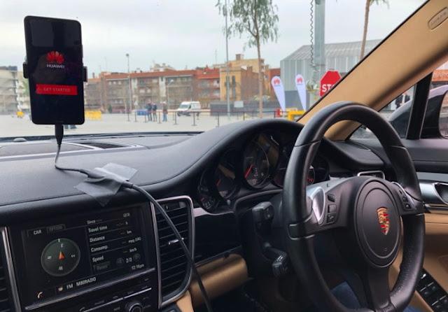 Huawei Pamerkan Mobil Tanpa Sopir Bertenaga Android