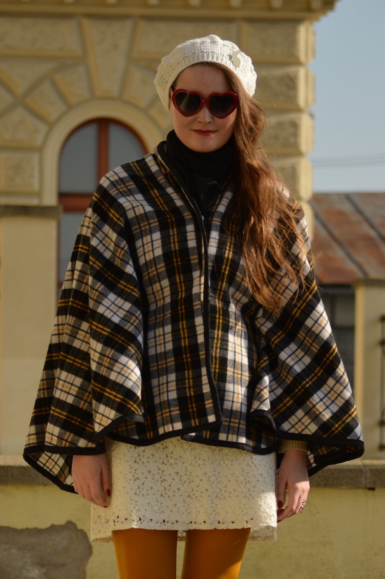 parisian mods style, mia farrow mods look, feather mccarthy scream queens style, czech personal style blog, česká módní blogerka, geogiana quaint, quaintrelle dandy fashion blog, ootd, yellow tights calzedonia mods, secondhand clothes, handmade diy cape coat