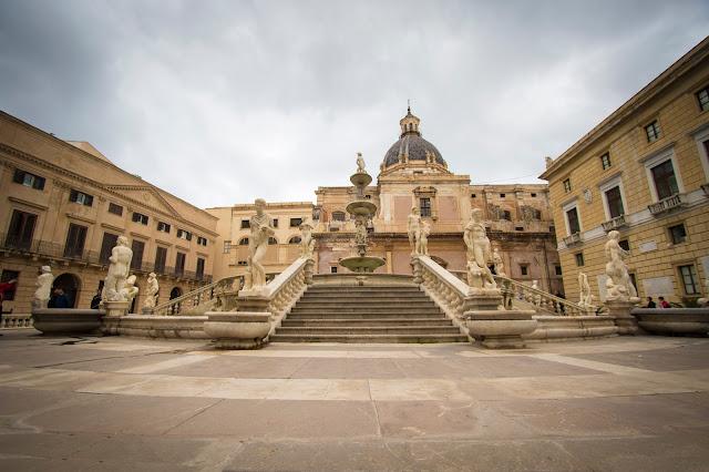 Fontana pretoria o della vergogna-Palermo