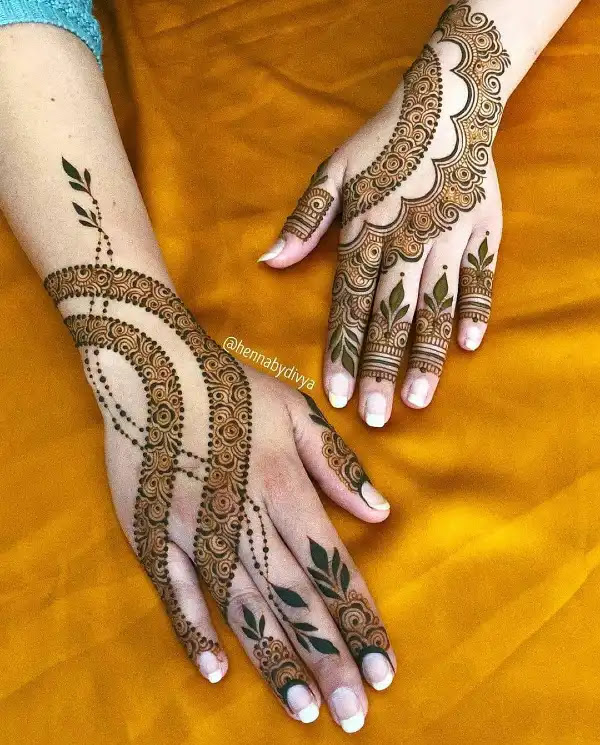 Stylish-cut-hena-design