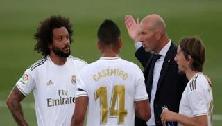 ريال مدريد يخطط لصفقة سوبر وصلاح ونجم آخر من الدوري الإنجليزي على القائمة