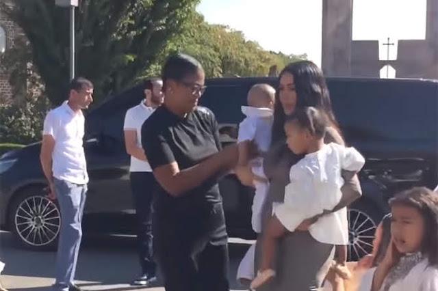 Kardashian bautiza a sus hijos en Etchmiadzin