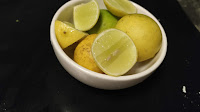Lemon and it's slices for Tandoori chicken recipe