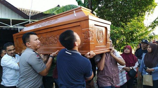 Umi, Istri Eks Sopir Jokowi Tewas Terlindas Truk