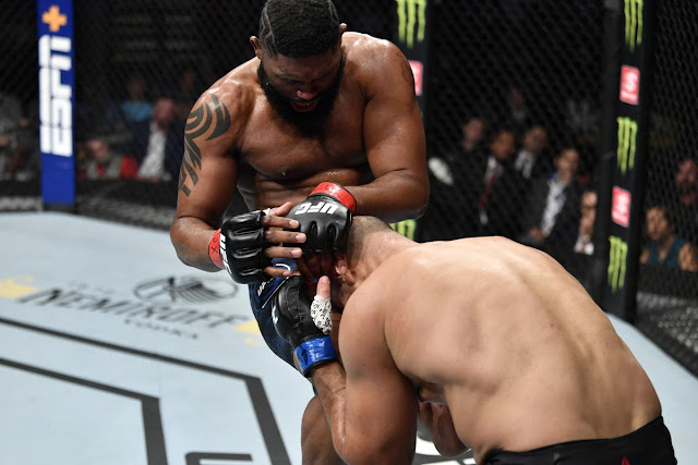 Curtis Blaydes Defeats Junior Dos Santos