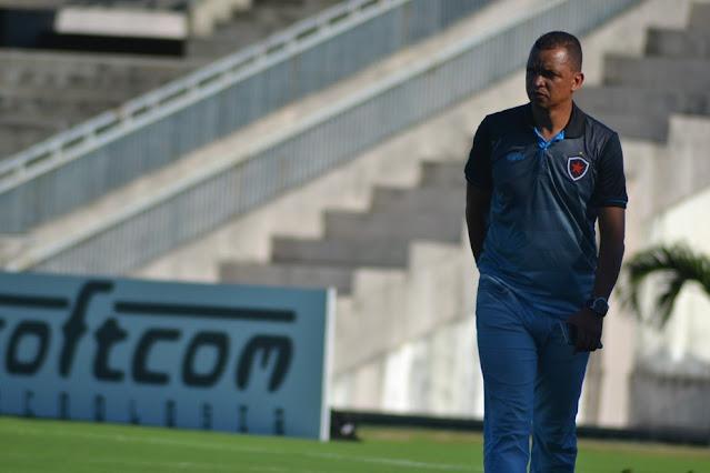 Warley se desliga do Botafogo-PB e deve dar início à carreira como técnico no Nacional de Patos