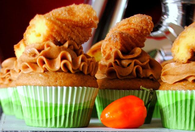 Churro - Cupcakes - cinco - de- mayo - cupcakes