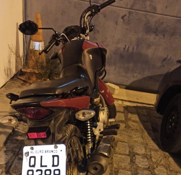 Guarnição do Cisp de Ouro Branco recupera moto roubada na zona rural do município